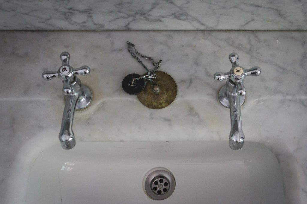Sink Not Draining but Pipes Clear? - PestPolicy